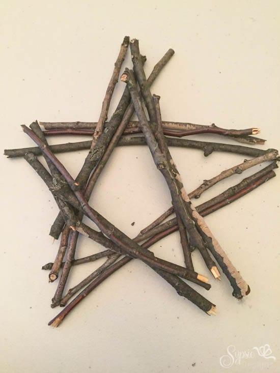 DIY Burlap Bow Ornaments & Twig Tree Topper - Sypsie Designs
