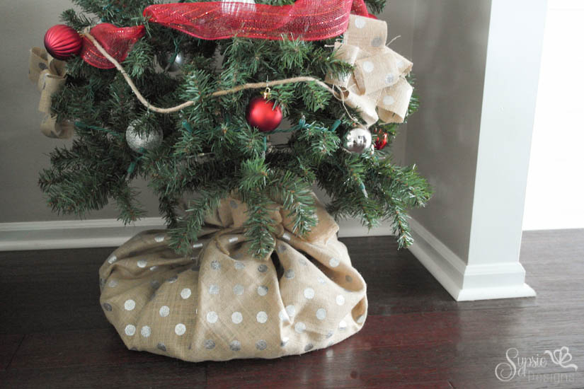 Super Burlap Christmas Tree Wrap - A Skirt Alternative - Sypsie Designs KW55