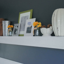 Easy 5' DIY Floating Shelf Tutorial - Sypsie Designs